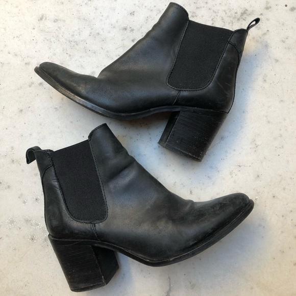 f811432d30b Steve Madden Jain Bootie Size 9